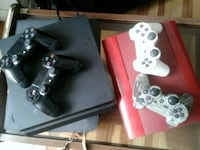 black Sony ps3  2 controlers- ps4 2 comtrollers Calgary, T3J