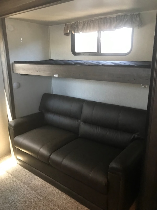 2019 Montana 365 bunkhouse camper fifth wheel 17894bed-68d8-46b2-9ecf-2db93615309d