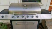 Charbroil 5 burner gas grill Lubbock, 79413