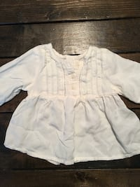 Old navy 6-12 month top brand new never worn  Coquitlam, V3E 2B4