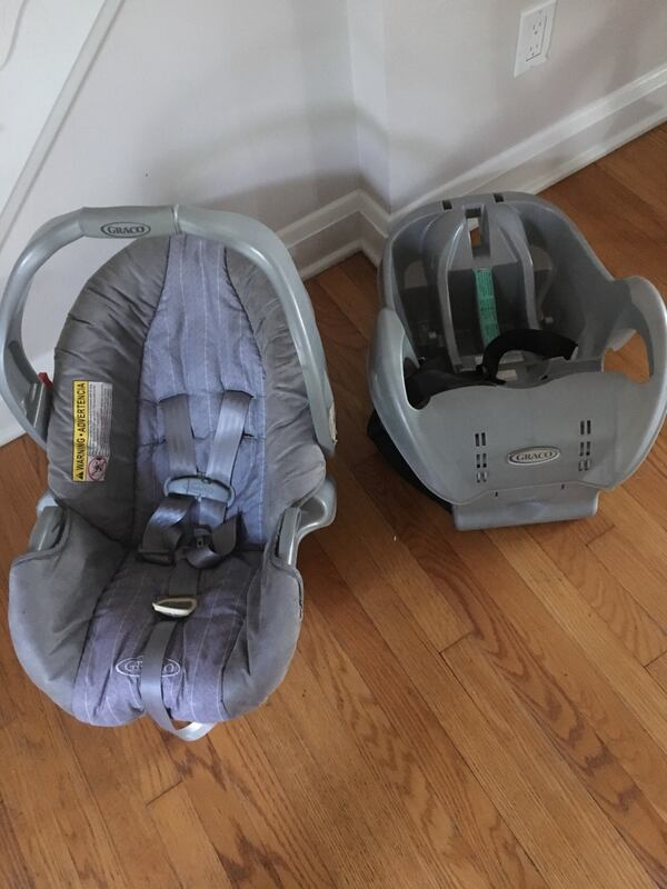 Gray Graco Infant Car seat & Base 6cd8a9e7-53ea-4c48-aba6-ecf4ca186deb