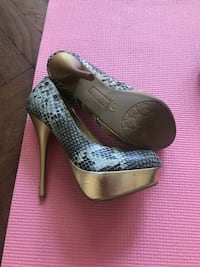 Shoes, size 6  New York, 10024