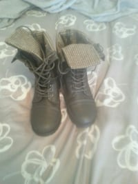 Brown boots size 8 Coquitlam, V3K 2A5