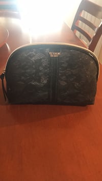 Victoria secret makeup purse  Mississauga, L5M 6E5