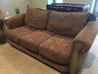 Sofa and club chair Brentwood, 37027