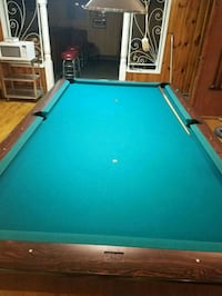 Pool table with light  Trenton, 08611