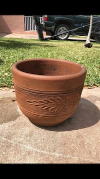 Clay pot medium size