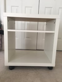 Shelf/cabinet with wheels Vancouver, V5R 1H2