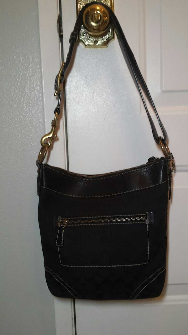 a51b90c9c Used Gently Used Coach Purse for sale in Indio - letgo