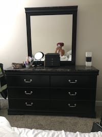 Bedroom set for sale GENTLY USED!!!! null