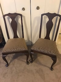 $20 each chair wood chairs  in excellent condition smoke pet free home message me if you interested pick up in Gaithersburg md 20877 check out my other listings on this page Gaithersburg, 20877