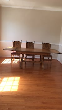 Rectangular solid oak brown wooden table with chairs dining set Centreville, 20120
