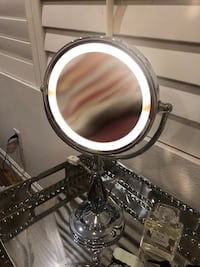 pretty silver light up makeup mirror  Simi Valley, 93065