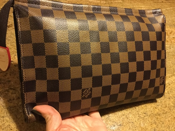 42636364aeae Used Louis Vuitton leather clutch/toiletry pouch for sale in Woodinville -  letgo