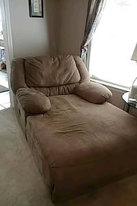 brown microfiber reclining chase Concord, 28025