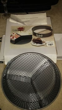 3 in 1 cheeeecake pan....never used Mississauga, L5M 7P2