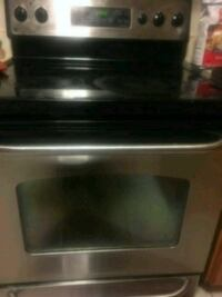In good condition, stove and fridge for sale Toronto, M1B