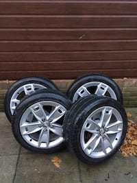 four chrome 5-spoke car wheel with tire set Huddersfield