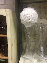 Wedding centre peace glass tall vase Mississauga, L5G 1T3