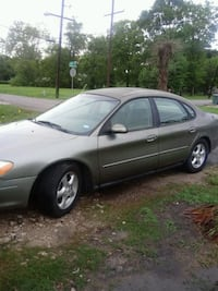 Ford - Taurus - 2002 Beaumont, 77703