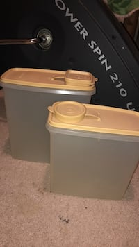 Tupperware brand cereal containers  Bonner Springs, 66012