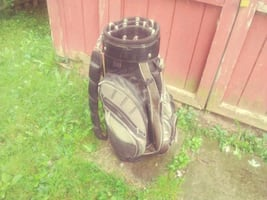 Golf Bag by Hippo with alot pockets high end bad l