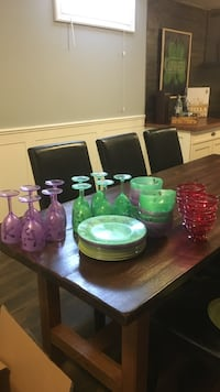 Assorted patio plates, bowls and cups