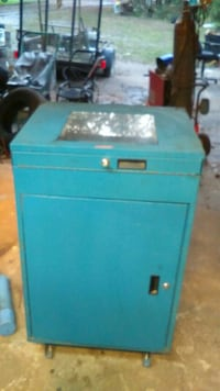 blue metal tool cabinet Spring Hill, 34610