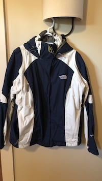 Women's North Face Ski Jacket, Size Large Lowell, 01852