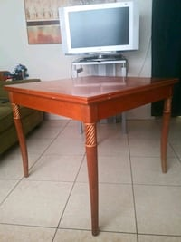brown wooden table with chairs Lauderhill, 33313