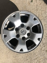 chrome Volkswagen 5-spoke auto wheel Issaquah, 98027