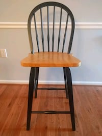 24 inch high bar chairs.  Great condition  Fairfax, 22033