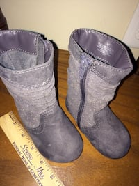 Gray boots toddler/preschool sz 4