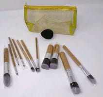 Brushes for make up with bag