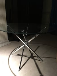 New Round glass table with silver legs High Point, 27260