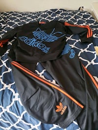 men's size large Adidas outfit Virginia Beach, 23451