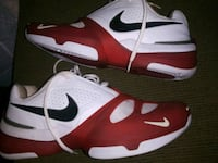 Mens nike tennis shoes size 10