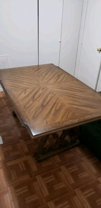 Dining room table New York, 10472