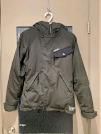 Women Billabong heavy weather jacket  Calgary, T2E 0B4