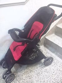 baby's black and red stroller Montréal, H3C