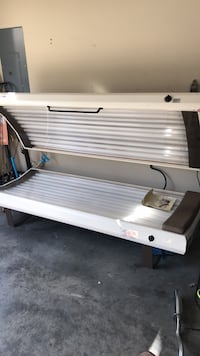 Tanning bed  Knoxville, 37924