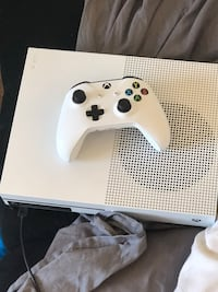 white Xbox One console with controller University Place, 98467