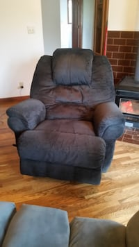 Black Recliner Gaston