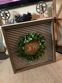 "Farmhouse Style ""Choose Joy"" Wall Sign"