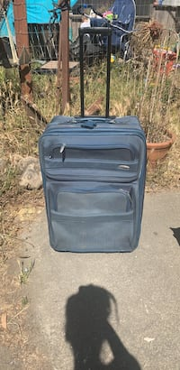 Nice large rolling suitcase. Just needs to be cleaned. Bodega Bay, 94923