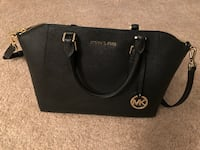 Michael Kors purse Woodbridge, 22191