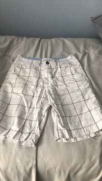 gray and white plaid shorts Vaughan, L4K 2K6