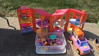 dora doll house and  lots of accessories Johnson City, 37604