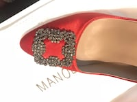New with box not used, copy one.. size 39 manolo Blahnik 5 km