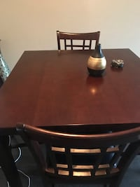 Dining table with 4 chairs  Herndon, 20170